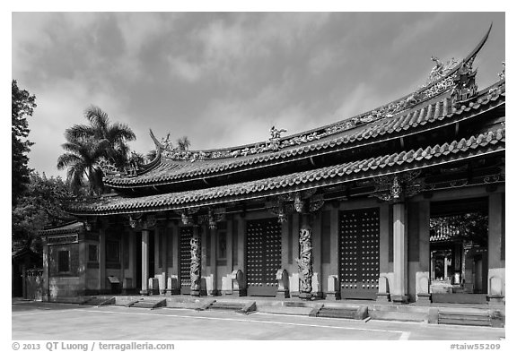 Lingxing gate, Confuscius Temple. Taipei, Taiwan (black and white)