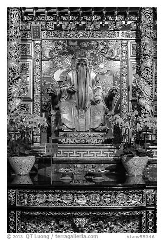 Confuscian figure on altar, Wen Wu temple. Sun Moon Lake, Taiwan