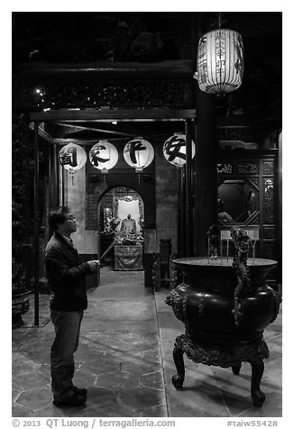 Man praying to Matsu, Tienhou Temple. Lukang, Taiwan