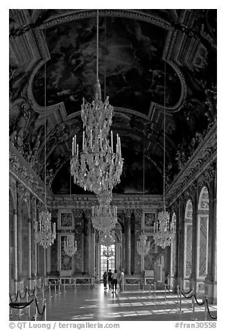 Gallerie des glaces room, Versailles Palace. France (black and white)