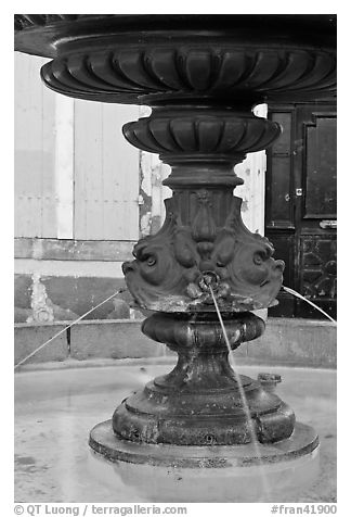 Fountain, old town. Aix-en-Provence, France (black and white)