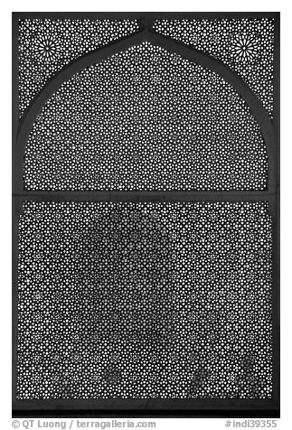 Jali (marble lattice screen) in Shaikh Salim Chishti mausoleum. Fatehpur Sikri, Uttar Pradesh, India (black and white)