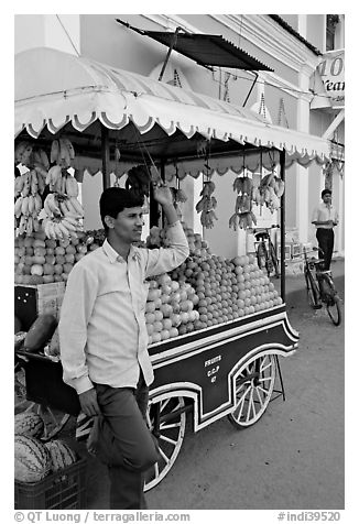 Fruit vendor, Panjim (Panaji). Goa, India (black and white)