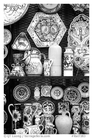 Ceramic plates on display. Orvieto, Umbria (black and white)