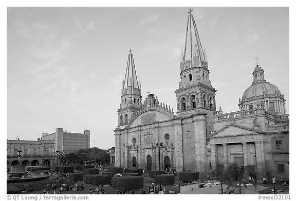 Cathedral and Plaza de los Laureles. Guadalajara, Jalisco, Mexico