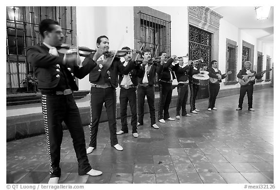 Band of mariachi musicians at night, Tlaquepaque. Jalisco, Mexico
