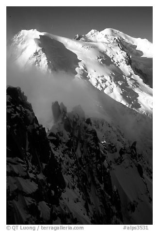 Cosmiques ridge, Tacul and Mont-Blanc. Alps, France