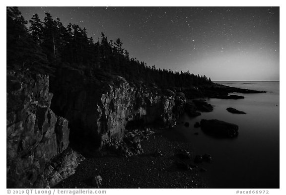 Ravens Nest with stary sky at moonset, Schoodic Peninsula. Acadia National Park (black and white)