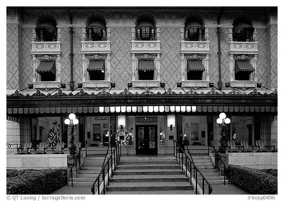 Fordyce bathhouse facade. Hot Springs National Park (black and white)