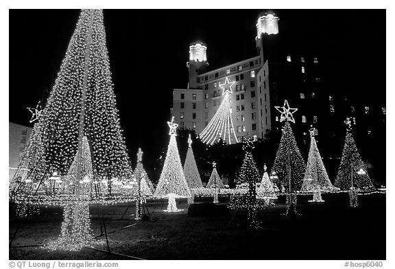 Christmas illuminations in front of the Arlington Hotel. Hot Springs, Arkansas, USA (black and white)