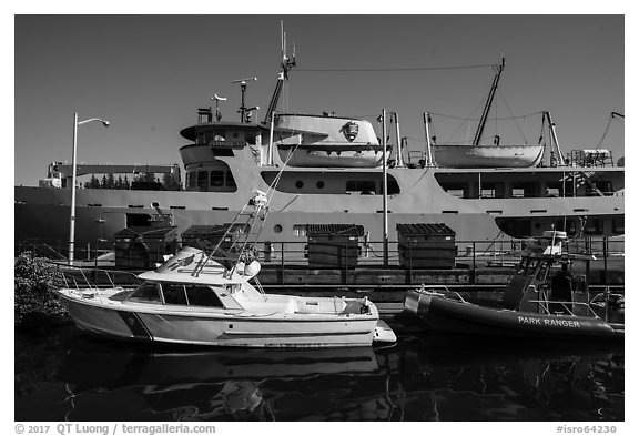 National Park Service vessels. Isle Royale National Park (black and white)