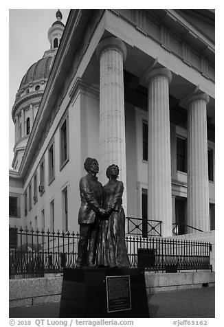 Old Courthouse with statue of Dred and Harriet Scott. Gateway Arch National Park (black and white)