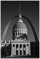 Old Courthouse and Arch. Gateway Arch National Park ( black and white)