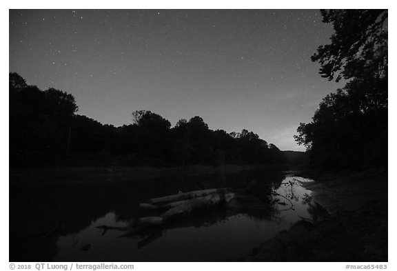 Green River at night, Houchin Ferry. Mammoth Cave National Park (black and white)