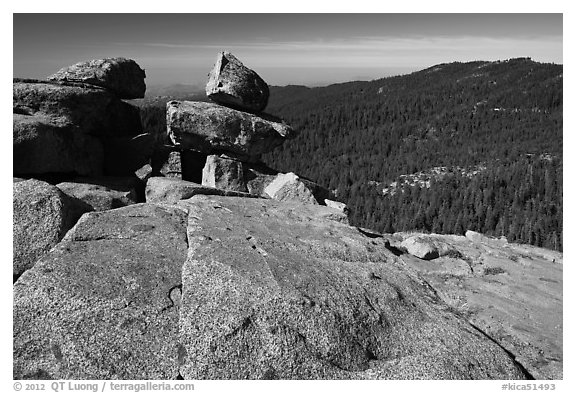 Granite slabs, Buena Vista. Kings Canyon National Park (black and white)
