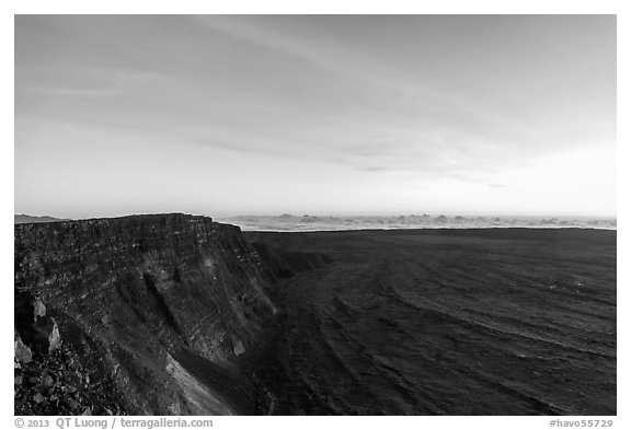 Mauna Loa summit cliffs, Mokuaweoweo crater before sunrise. Hawaii Volcanoes National Park (black and white)