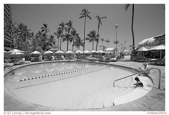 Swimming pool, Sheraton  hotel. Waikiki, Honolulu, Oahu island, Hawaii, USA (black and white)