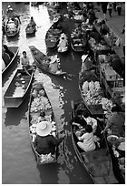 Traditional floating market. Damonoen Saduak, Thailand (black and white)