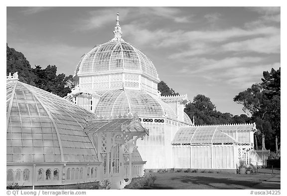 Side view of the Conservatory of Flowers, whitewashed to avoid heat absorption. San Francisco, California, USA