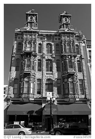 Facade of Louis Bank of Commerce building, Gaslamp quarter. San Diego, California, USA (black and white)