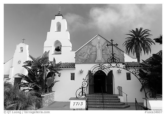 Church Mary Star of the Sea, designed by Carleon Winslow in California Mission style. La Jolla, San Diego, California, USA (black and white)