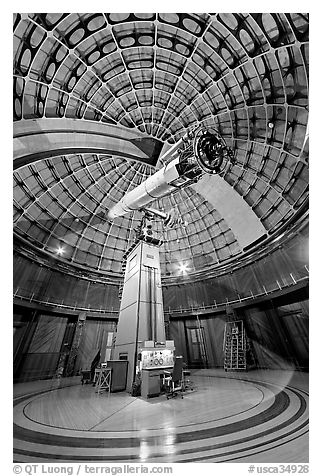 Refractive telescope, Lick obervatory. San Jose, California, USA