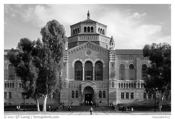 Powell Library, University of California at Los Angeles, Westwood. Los Angeles, California, USA (black and white)