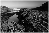 Rock rib, early morning, Spooners Cove, Montana de Oro State Park. Morro Bay, USA ( black and white)