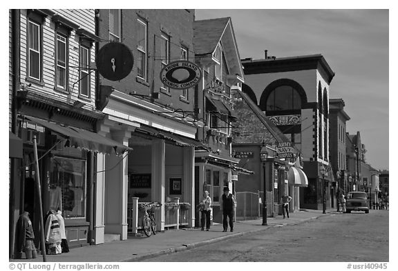 Street with old buildings. Newport, Rhode Island, USA (black and white)