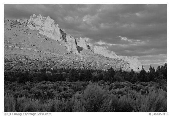 Stadender Ridge at sunset. Smith Rock State Park, Oregon, USA (black and white)