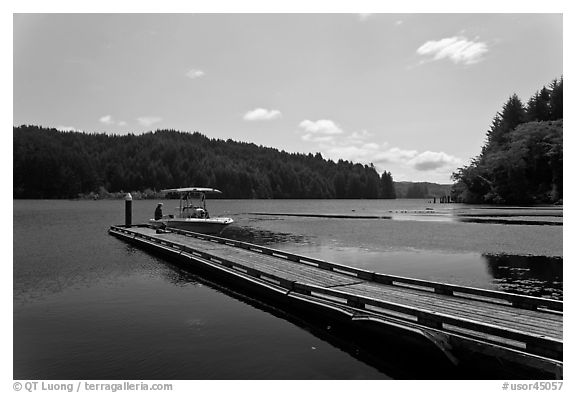 Clear Lake. Oregon, USA (black and white)