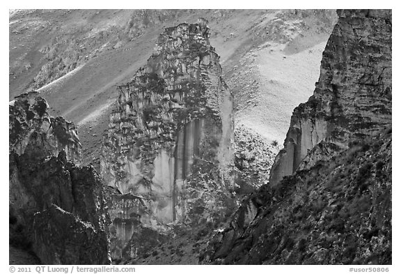 Spire of volcanic tuff, Leslie Gulch. Oregon, USA (black and white)