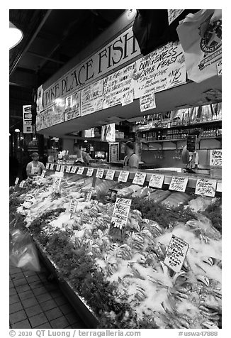 Pike Place Fish Market. Seattle, Washington (black and white)