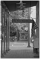Gallery in front of the Selma Times Journal building. Selma, Alabama, USA (black and white)