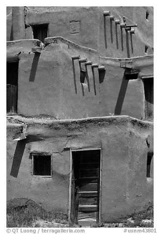 Traditional adobe construction. Taos, New Mexico, USA (black and white)