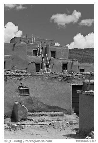Multi-story adobe house. Taos, New Mexico, USA (black and white)