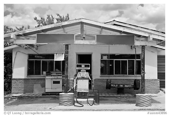 Gas station, Truchas. New Mexico, USA