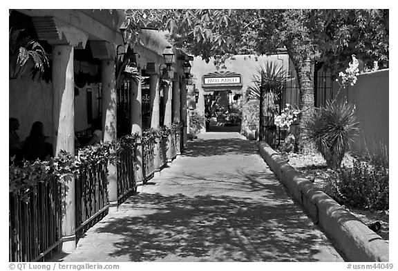 Alley, old town. Albuquerque, New Mexico, USA (black and white)