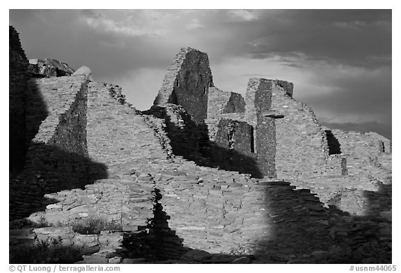 Walls at sunset, Pueblo Bonito. Chaco Culture National Historic Park, New Mexico, USA (black and white)