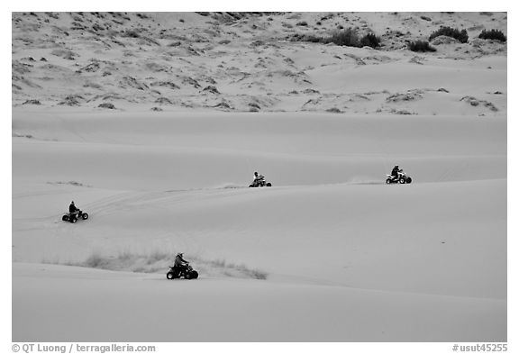 Four-wheelers on dunes, Coral pink sand dunes State Park. Utah, USA