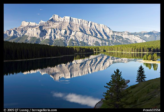 Mt Rundle and Two Jack Lake, early morning. Banff National Park, Canadian Rockies, Alberta, Canada