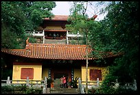 Jiazhou Huayuan temple in Dafo Si. Leshan, Sichuan, China