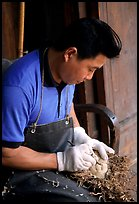 Craftman. Leshan, Sichuan, China ( color)