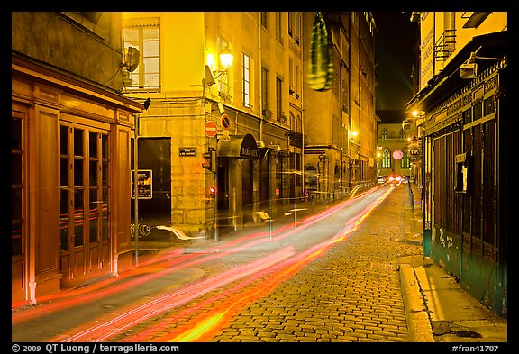 picture photo street with light trails left by cars lyon france. Black Bedroom Furniture Sets. Home Design Ideas