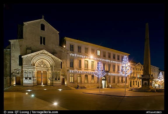 Place de la Republique and Eglise Saint Trophime at night. Arles, Provence, France