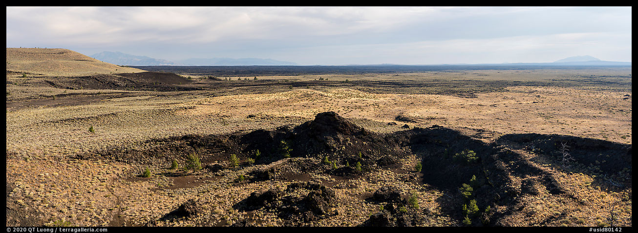 Snake River Plain with lava flows. Craters of the Moon National Monument and Preserve, Idaho, USA