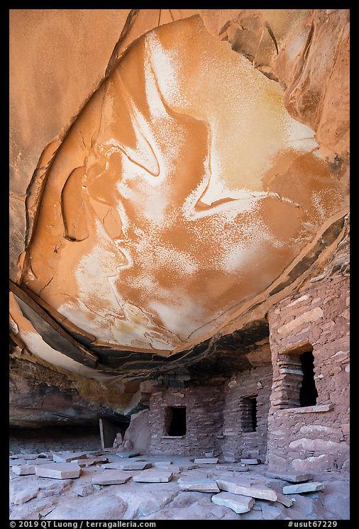Fallen Roof Ruin, Road Canyon. Bears Ears National Monument, Utah, USA