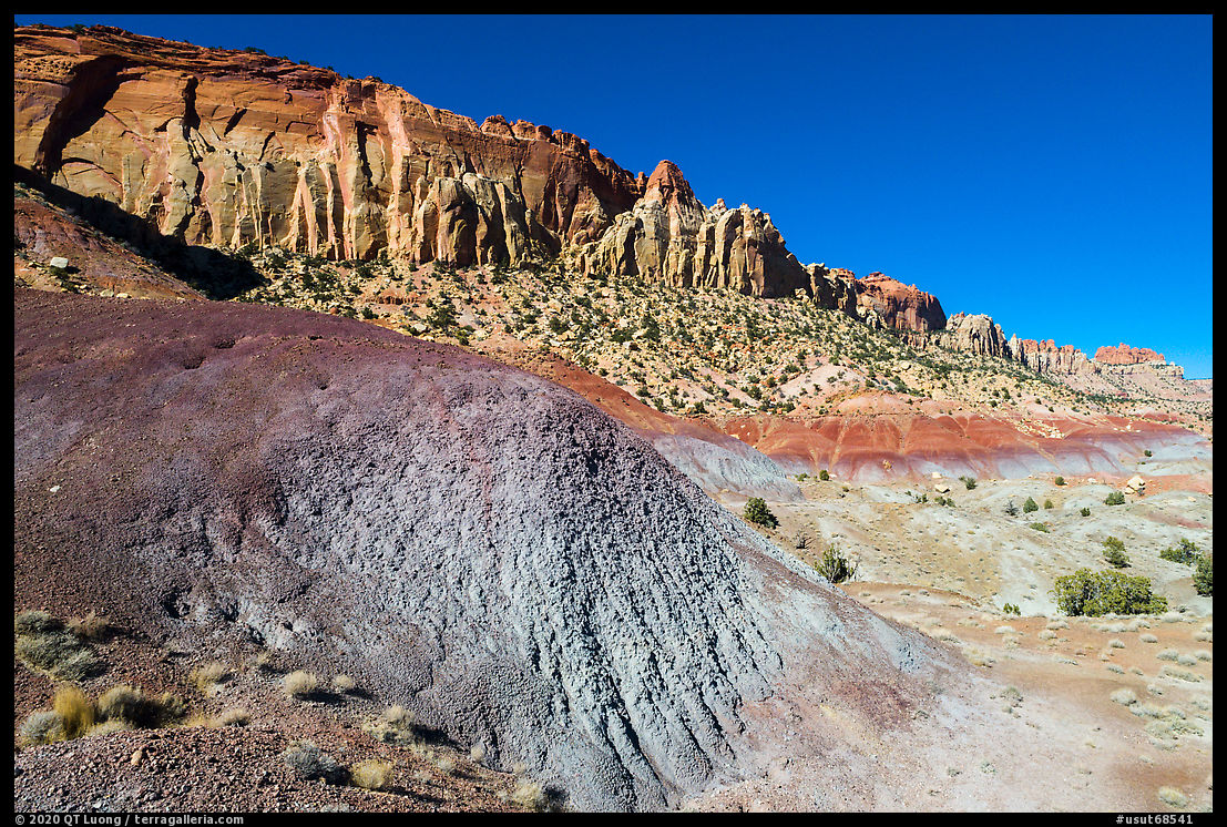 Multicolored badlands and cliffs, Burr Trail. Grand Staircase Escalante National Monument, Utah, USA