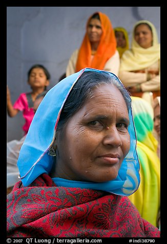 Woman wearing hijab. Jodhpur, Rajasthan, India (color)
