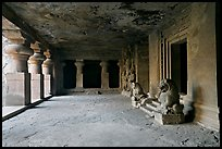 Mandapae, Elephanta caves. Mumbai, Maharashtra, India ( color)